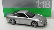 Porsche 911 carrera s Coupe (2005) plateado met./Welly 1:18