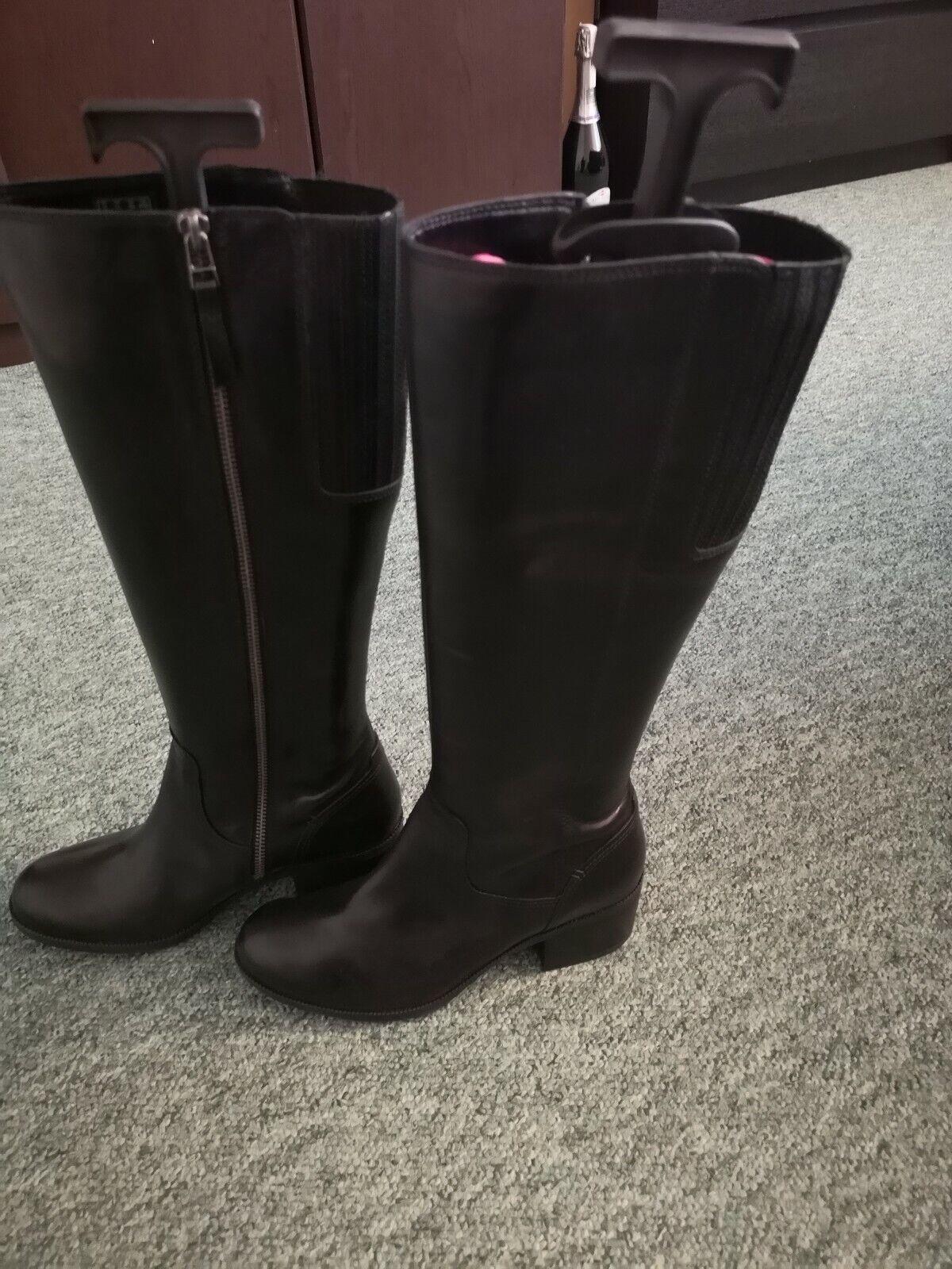 Ladies Ladies Ladies clarks boots size 5 931c75