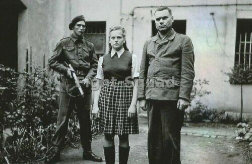 WW2 Picture Photo Irma Grese and Josef Kramer CC Guards 3355