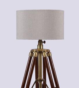 Vintage photographer hollywood spot searchlight tripod for Retro hollywood floor lamp