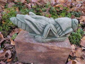 Awesome-Cement-11-034-Long-Grasshopper-Garden-Art-Concrete-Statue-Green-Patina