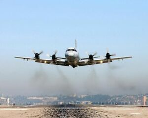 NAVY-P-3-ORION-PATROL-AIRCRAFT-TAKE-OFF-8x10-SILVER-HALIDE-PHOTO-PRINT