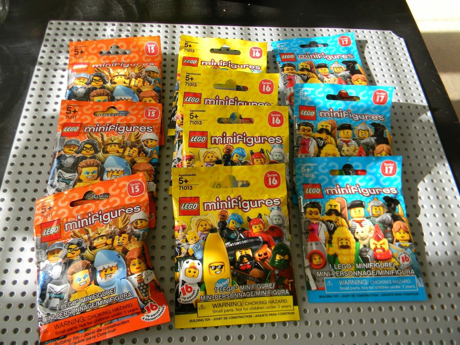 Lego - 10 Unopened Collectable Minifigures - Series 15, 16, 17 - New