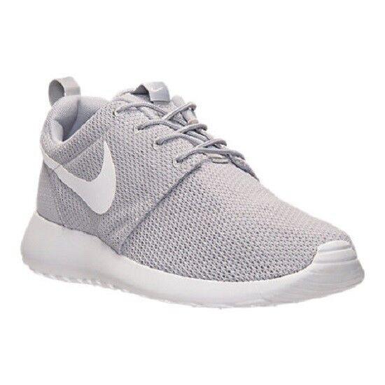 Para hombres zapatos Nike Roshe One estilo de vida gris lobo blancoo Nuevo en Caja 8-12 511881-023