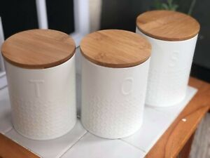 Lot-de-3-blanc-en-relief-the-cafe-sucre-pots-boites-boites-avec-bambou-couvercle-NEUF