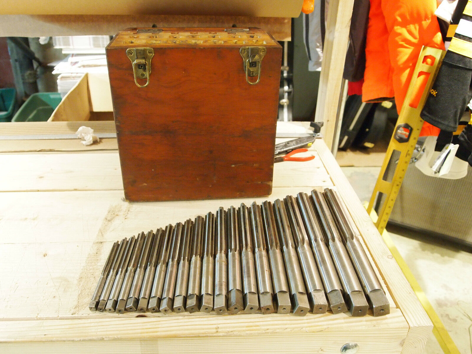 PEERLESS CLEVELAND CO. 21 PIECE REAMER SET WITH CASE