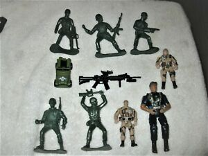 Mixed-Lot-of-10-Vintage-Military-Figures-Army-Men-4-25-034-Jeep-Weapon-Police