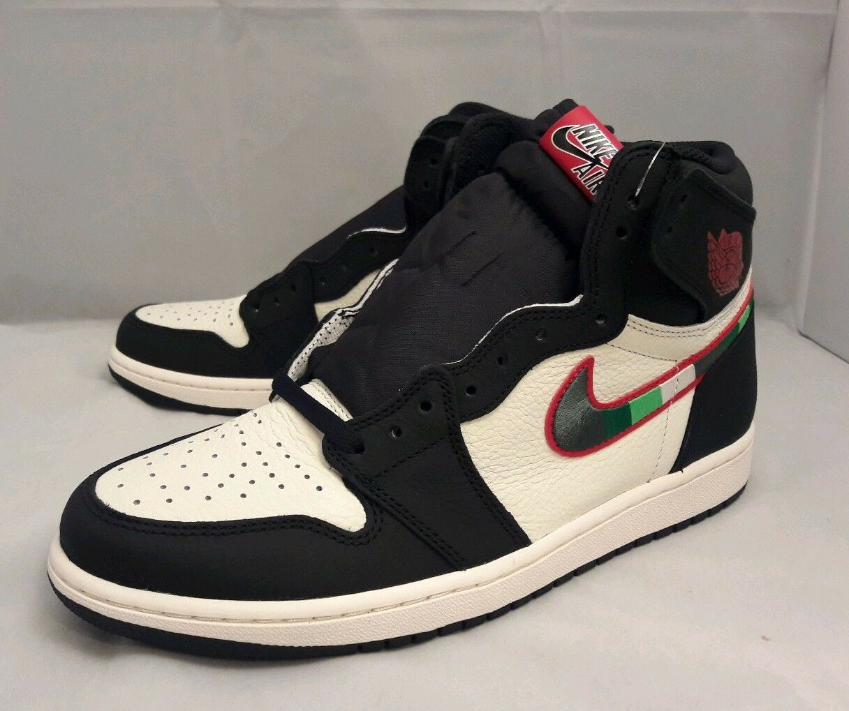 new concept 12afa 82e54 Nike Air Jordan Jordan Jordan 1 Retro High OG Sports Illustrated A Star is  Born 555088