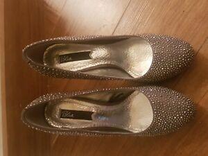 Scarpe-da-donna-con-tacco-bronzo-borchie-decollete-Blink-numero-37