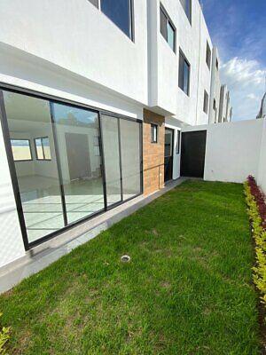 Casa En Venta Federal Atlixco A Altura Del Parque Loro de 3 Pisos y Roof Garden