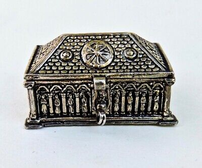 Handmade Silver Tone Metal Decorative Lid Vintage Round Pill Box  Snuff Box