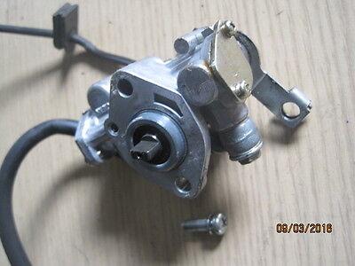Suzuki GP 125 Ölpumpe oil pump GP125 100