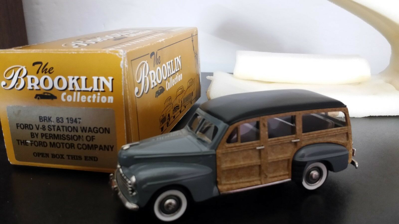 Brooklin models Ford V-8 Station Wagon 1947 BRK 83 1 43