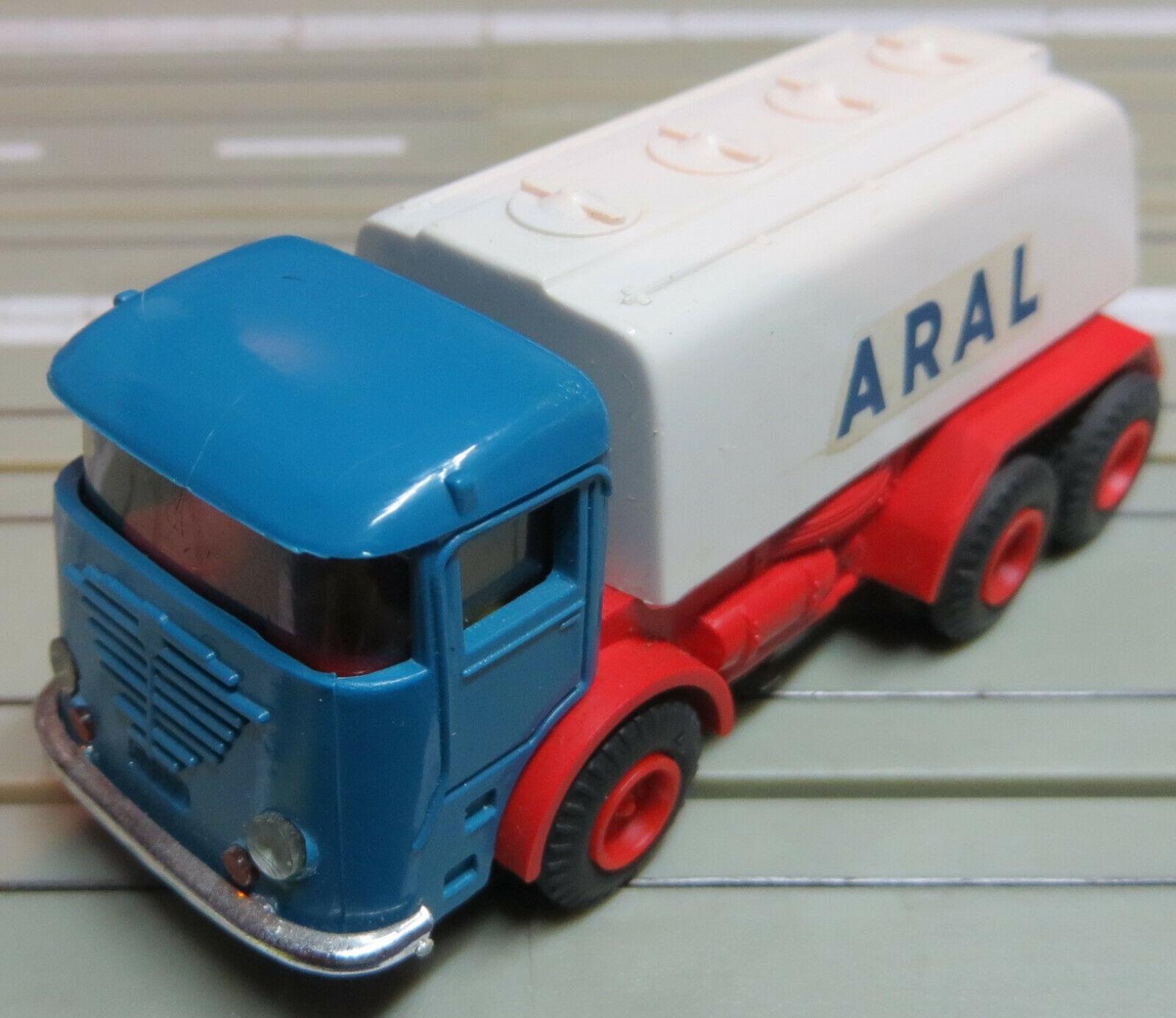 Faller A.M. S . Aral Camiones Cisternas Con