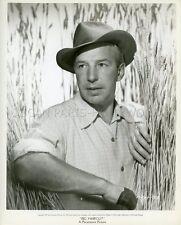 LLOYD NOLAN BIG HAIRCUT aka WILD HARVEST 1947 VINTAGE PHOTO ORIGINAL
