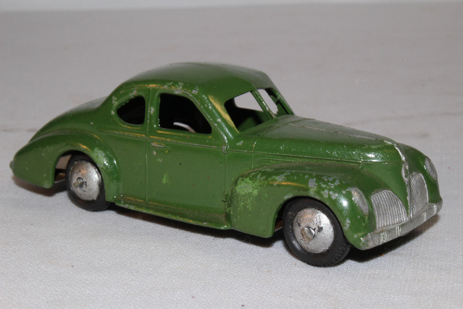 588ms Dinky 39f Studebaker Coupé, Early Modelo