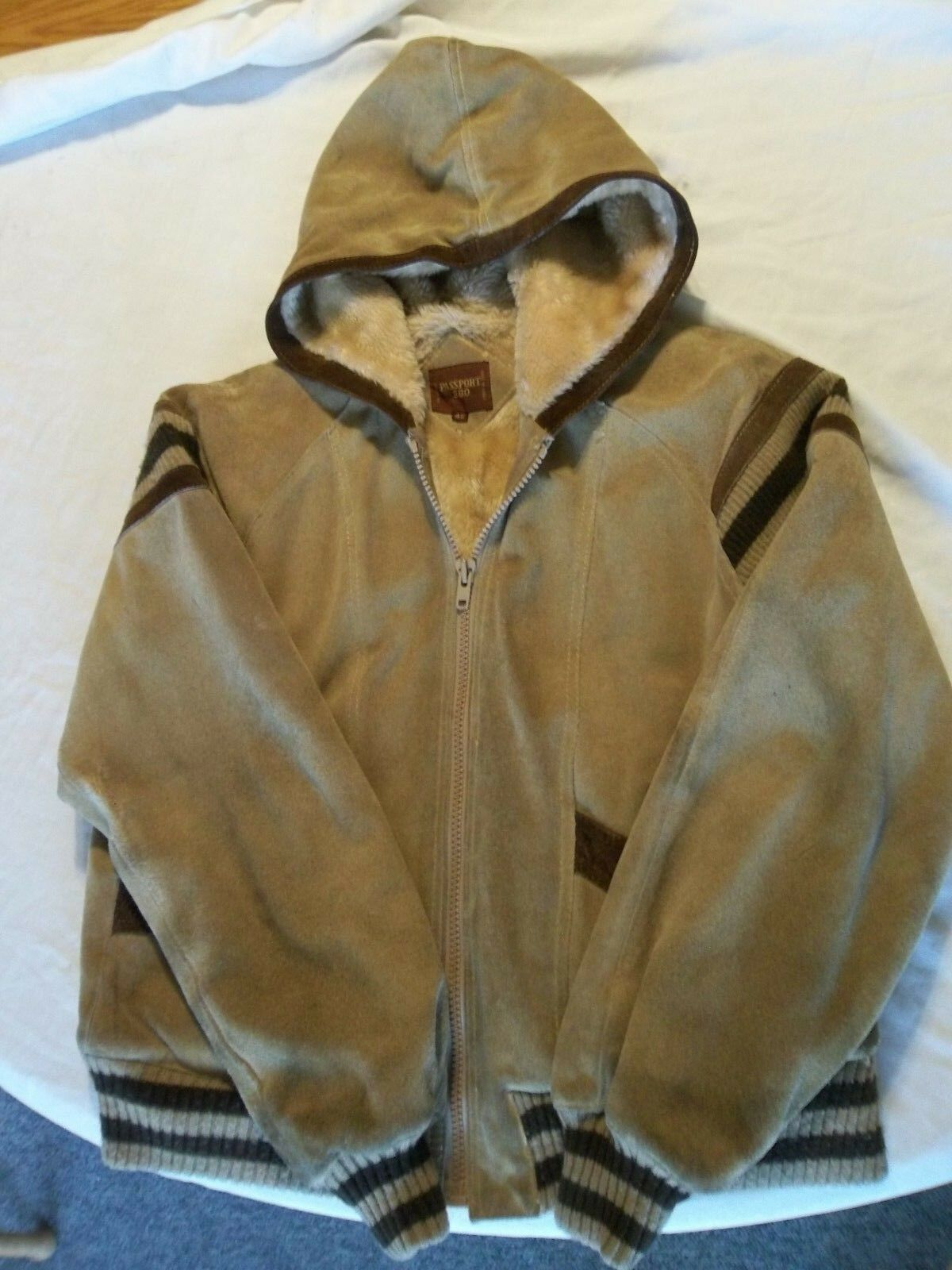 PASSPORT MENS LEATHER LINED HOODED COAT SIZE 42