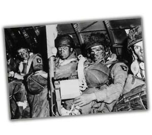 War-Photo-US-paratroopers-just-before-taking-off-for-Overlord-WW2-034-4-x-6-034-inch-S