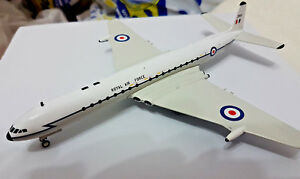 Royal-Air-Force-RAF-De-Havilland-DH-106-Comet-4-1-200-Die-Cast-InFlight-200