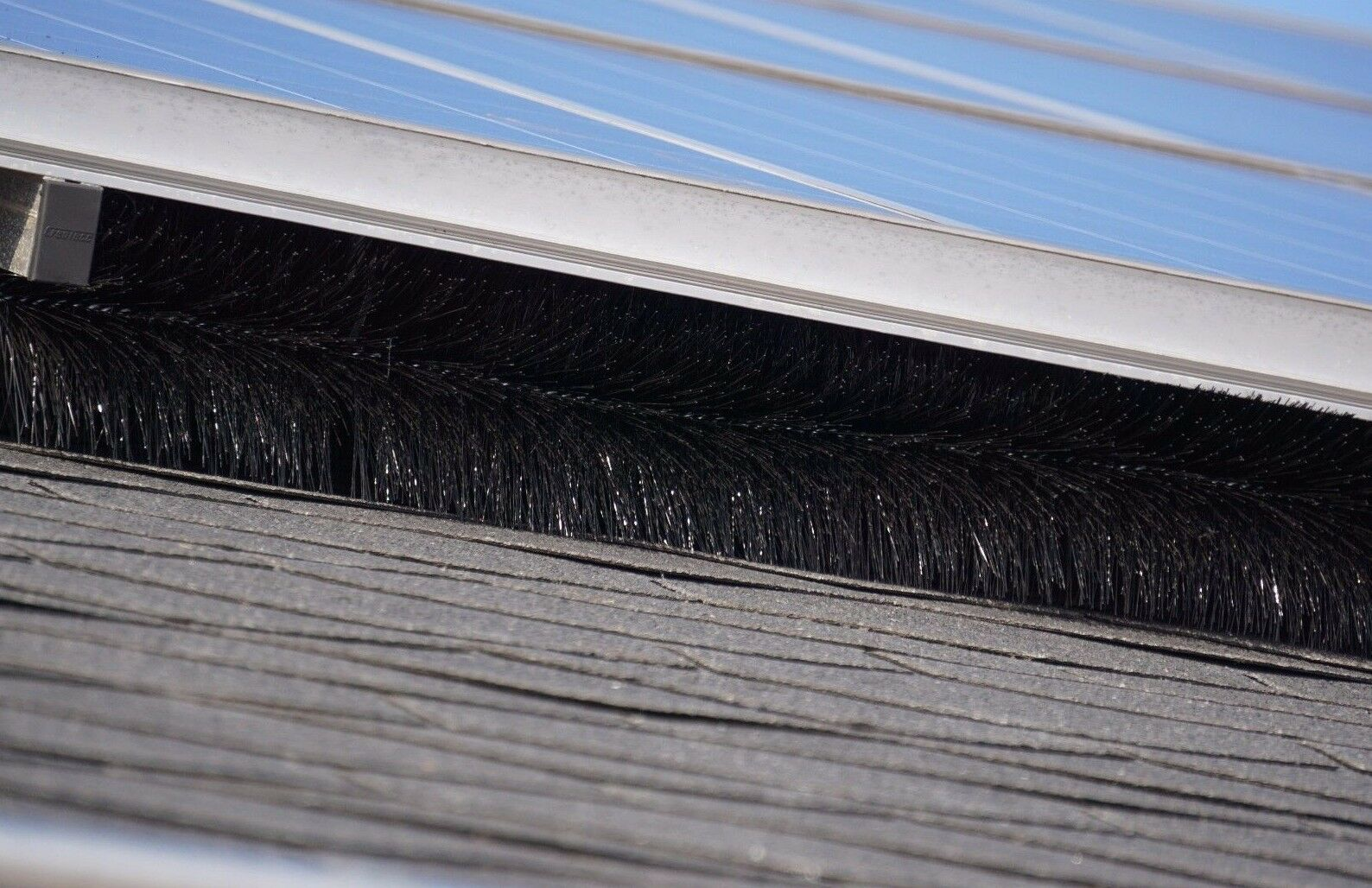 30 Meter Photovoltaikschutz Ø 12 cm, Marderschutz, Photovoltaik Reinigung Bürste
