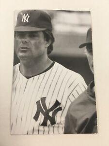 Lou Piniella (1984) New York Yankees Vintage Baseball Postcard NYY