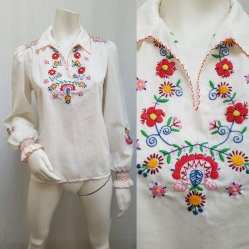 Vintage 70's Hungarian Hand Embroidered Folk Peas… - image 1