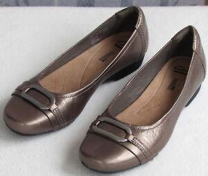 7-M-Clarks-Women-Metallic-Pewter-Leather-Slip-On-Loafer-Flat-Moc-Comfort-Shoe