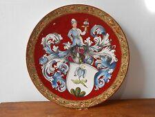 Ancien plat faience monogrammé Décor héraldique blason Armoiries.Antique plate