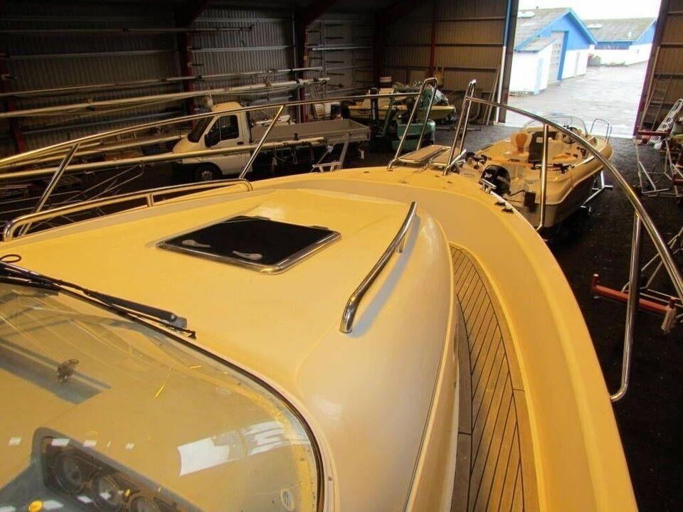 Nimbus 300 R, Motorbåd, årg. 2003