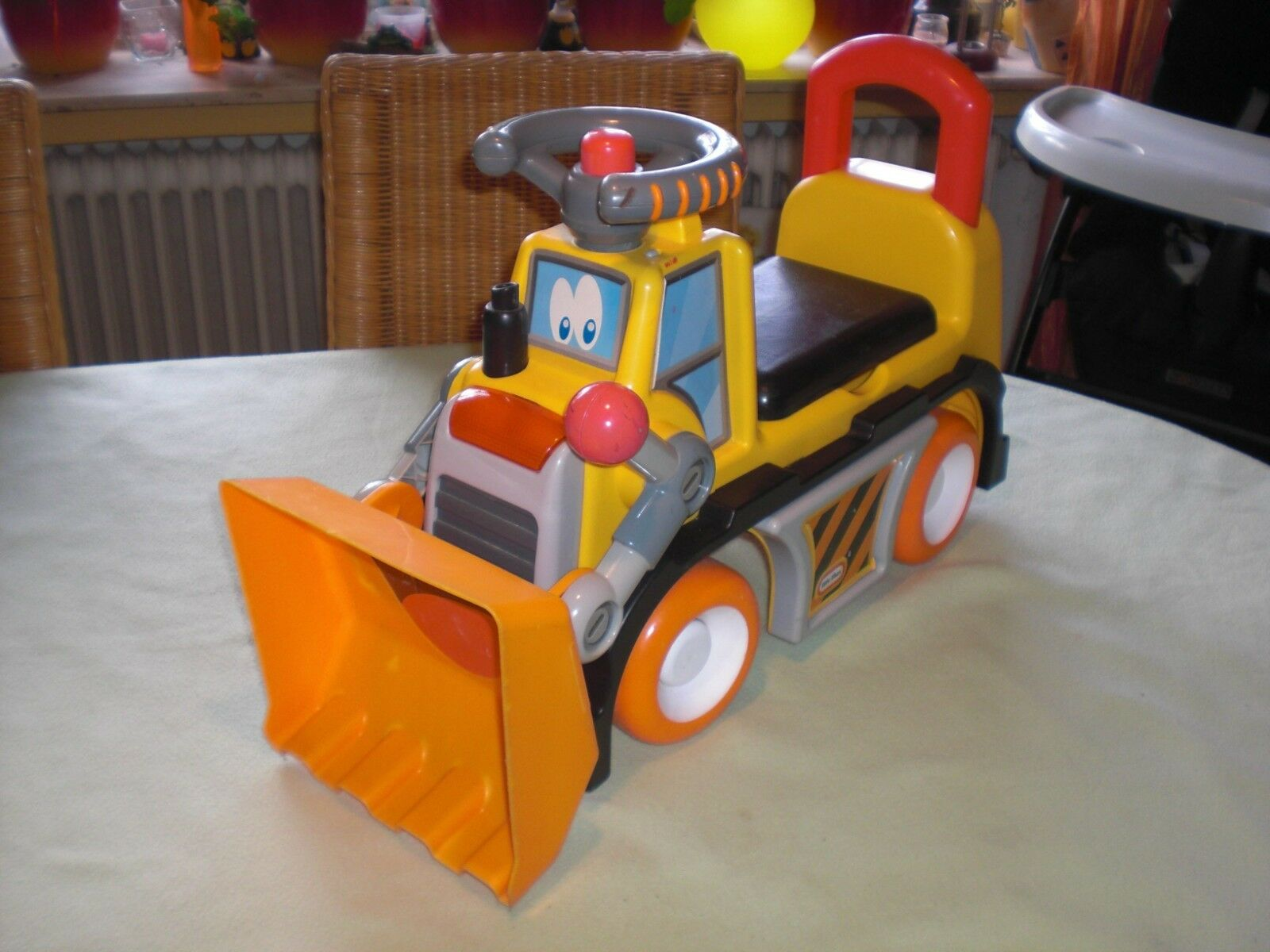 Little Tikes 600418 Dusty Dozer Rutscher - Bulldozer Rutscherauto Laufauto