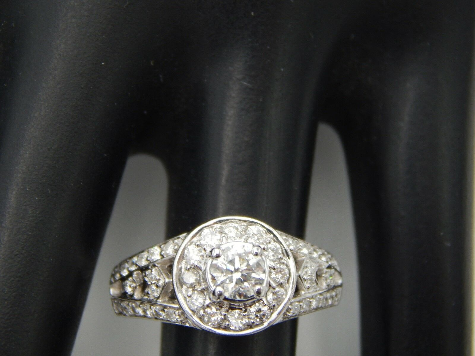 14k WG Designer Round Diamond Halo Engagement Ring .94 tcw G SI Comfort Fit