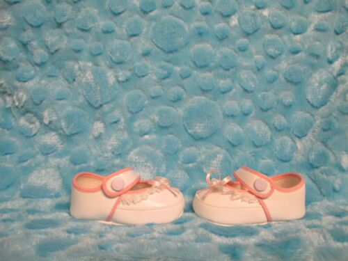 "3-3//8/"" WHITE SOFT CRIB SHOES WITH PINK LACE TRIMS REBORN BABY DOLLS KEEPSAKES"