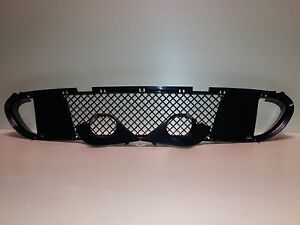 BMW-E60-E61-SPORT-FRONT-BUMPER-CENTRE-GRILLE-M5-Grill-trim-L-R-Fog-lamp-coverL-R