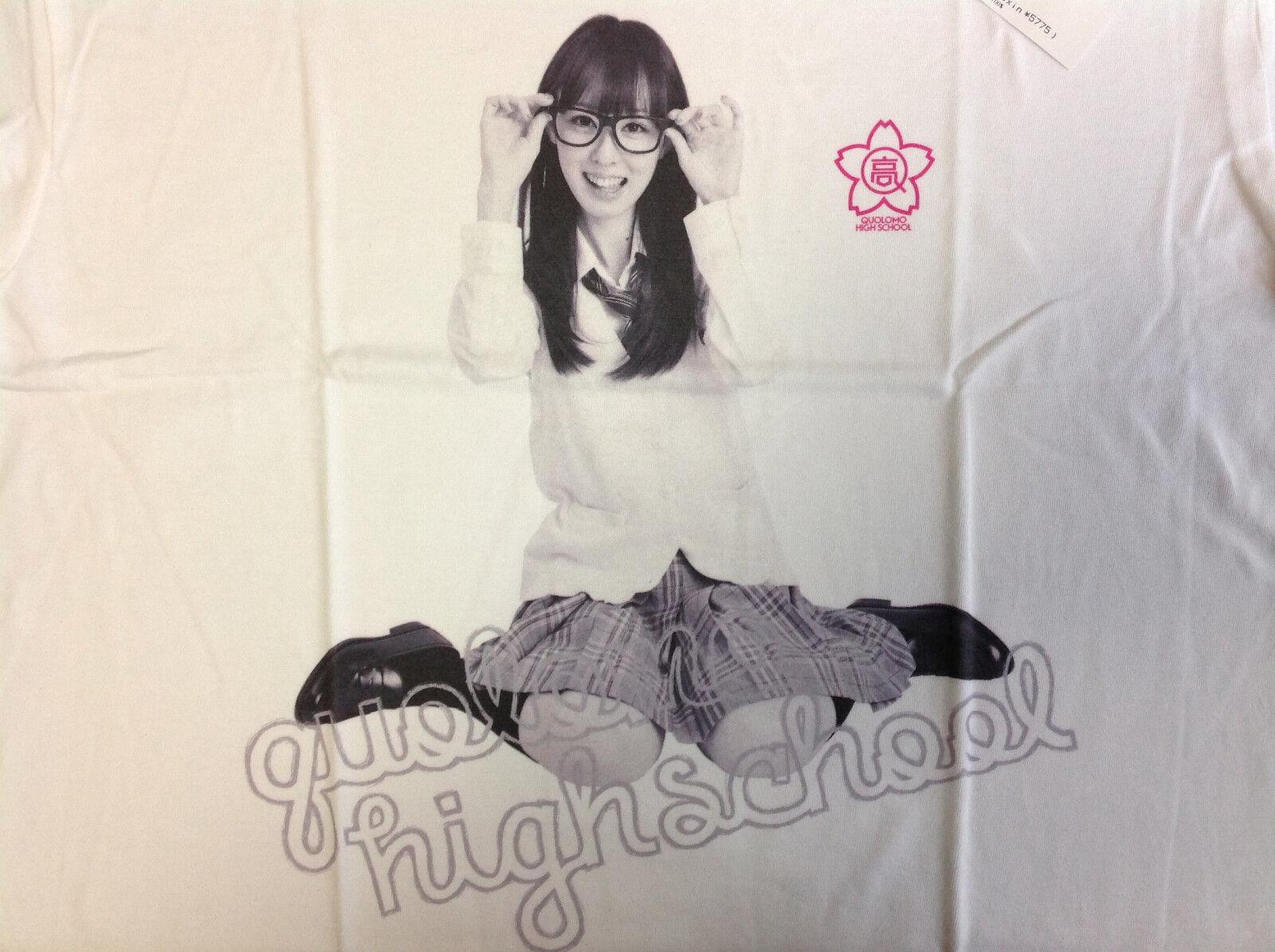 RINA AKIYAMA Quolomo Tee M japanese sexy idol 秋山 莉奈 JAPAN akb48 kiks tyo kikstyo