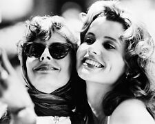 THELMA AND LOUISE IN THELMA & LOUISE 8X10 B&W PHOTO