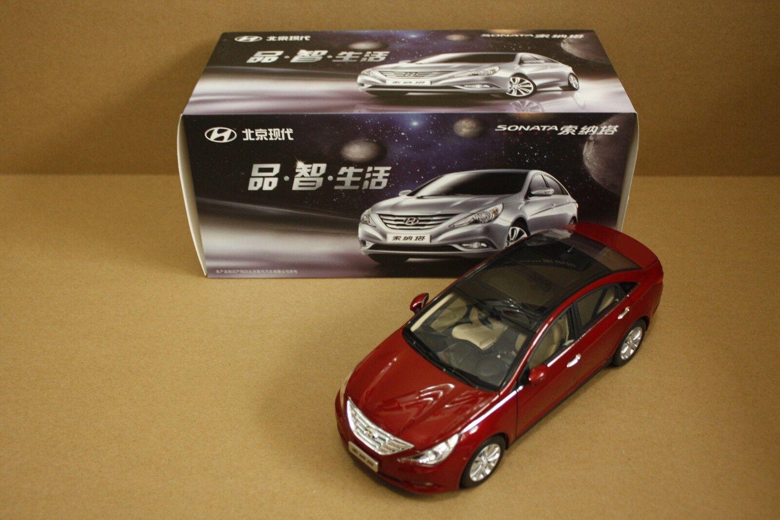1 18 Hyundai sonata NF Red color