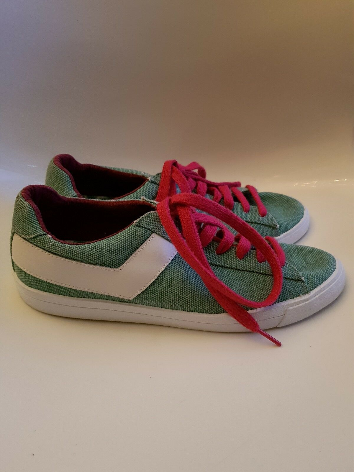 Vintage Retro Style Mens Ladies PONY Canvas Trainers, Green with Red Laces