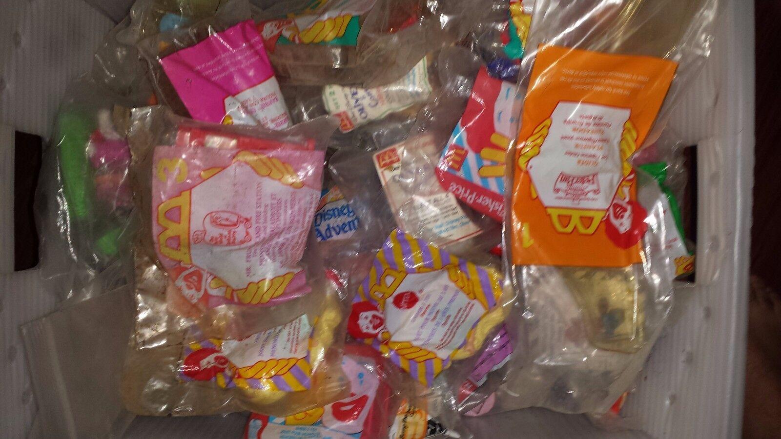 Många 90 -lycklig Meal MCDONALD leksaker