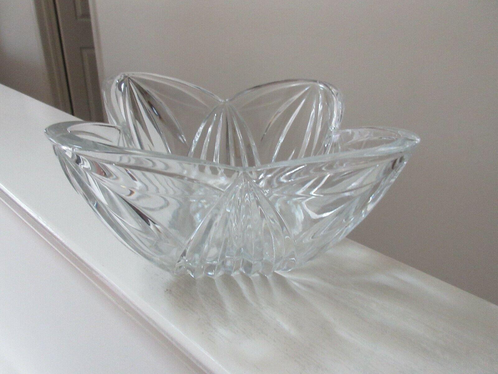 "Crystal Bowl , Unique Square Design ,8"" X 8"" X 6"" . 4 L"