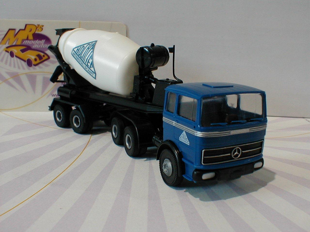 Brekina 81049 - Mercedes-Benz LPS 2224   Hochtief   in bluee-white-black 1 87