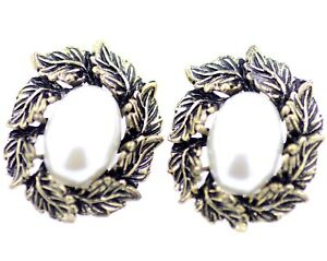 vintage-retro-style-bronze-leaves-and-white-pearl-stud-earrings