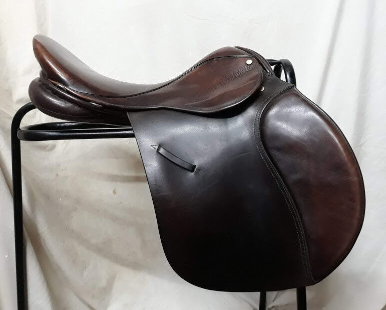 18   Brown Leather English Made Ideal Event Saddle  incentive promotionals