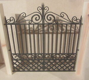 Dolls-House-DIY-Double-Gate-DHD39-Unpainted-Posts-not-included