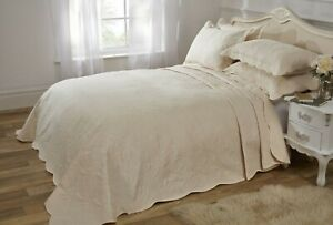 Bed-Spread-Quilted-Set-Pillows-Motif-Cream-Luxury-King-Cover-Throw
