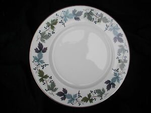 Royal-Doulton-BURGUNDY-Side-Plate-Diameter-6-1-2-inches