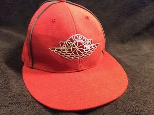 748f4e03029679 AIR JORDAN Red   Black RETRO WINGS Fitted HAT RARE Size 7 1 4