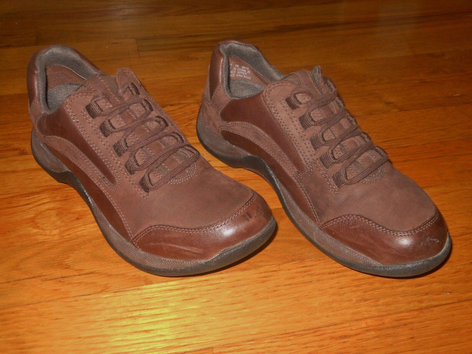 Clarks Springers women's leather walking shoes  Sz 7 M  Excellent condition