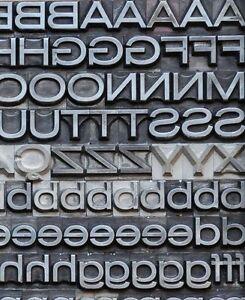 AURORA-breithalbfett-28-Bleischrift-Bleisatz-Buchdruck-Bleilettern-Schrift-ABC