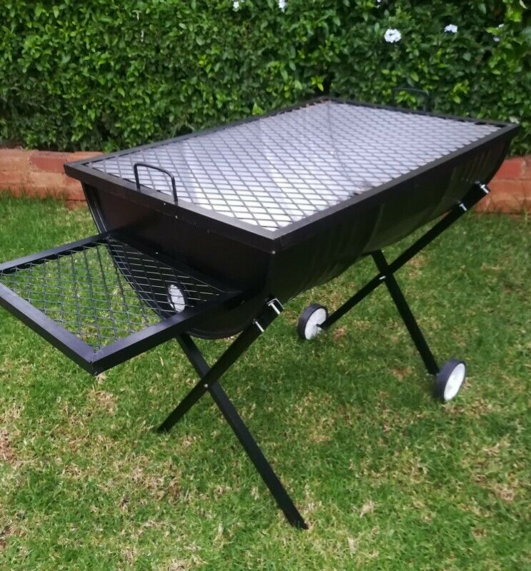 Adjustable drum braai stand with side table and wheels