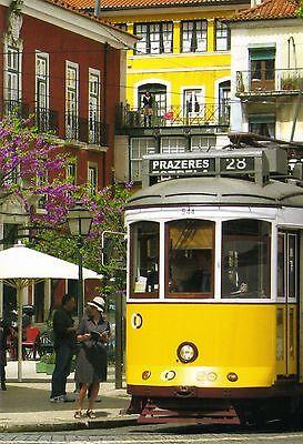 Ansichtskarte Straßenbahnen Lissabon Linie 28 in der Altstadt vintage trams